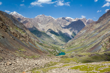 Fototapete - Mountain landscape with lake. Tien Shan