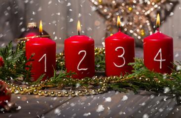 4. Avent alle Kerzen an