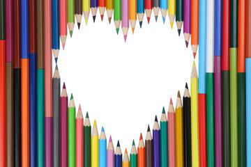Buntstifte bilden ein Herz Thema Liebe
