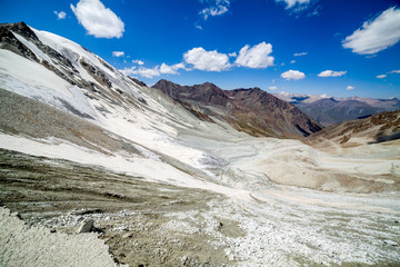 Fototapete - View from Kok-Airyk pass. Tien Shan mountains