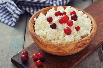 Cottage cheese with cranberry