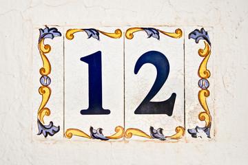 Carreau de céramique numéro 12