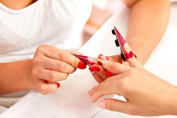 Preparing artificial nails