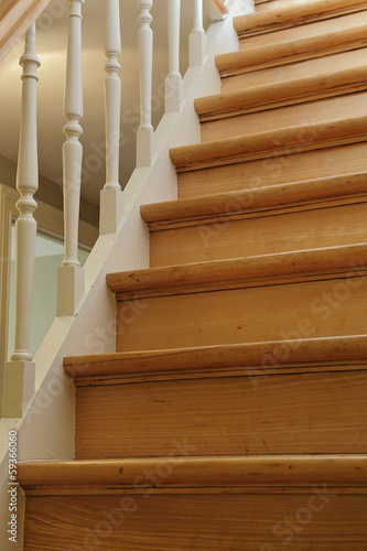 escalier ancien droit en bois photo libre de droits sur la banque d 39 images image. Black Bedroom Furniture Sets. Home Design Ideas