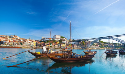 Ancient Boat in Oporto, in which was used to transport the Port Fototapete