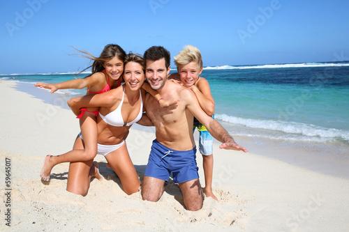 семьи нудистов порно фото
