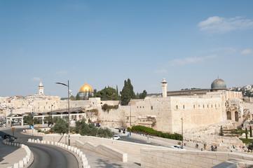 Вход в древний город Иерусалим к западной стене