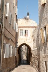 Узкая улица в древнем городе Иерусалим