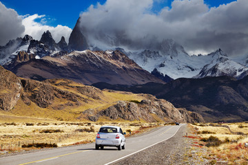 Wall Mural - Road to Mount Fitz Roy, Patagonia, Argentina