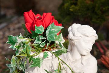 Gedenken mit Rosen