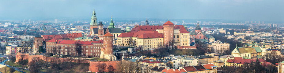 Autocollant pour porte Cracovie Cracow skyline with aerial view of historic royal Wawel Castle a