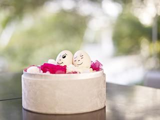 loving egg couple