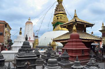 Непал, Катманду, храмовый комплекс Своямбуднахт (обезьяний холм)