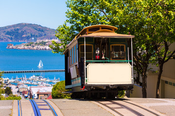 Foto op Canvas San Francisco San francisco Hyde Street Cable Car California