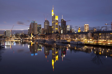Fototapete - Business district of Frankfurt-am-Main at sunset