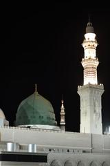 Fototapete - Prophet Muhammed holy mosque in Medina, KSA