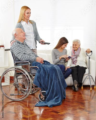 betreuung von senioren im seniorenheim 60432822. Black Bedroom Furniture Sets. Home Design Ideas