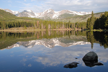 Wall Mural - Reflection in Sprague lake, Rocky Mountain National Park, CO, US