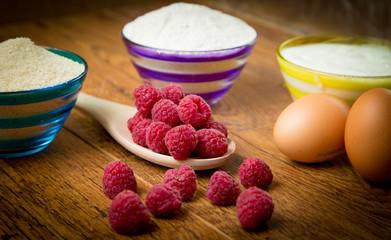 Fototapete - Raspberry muffin preparation