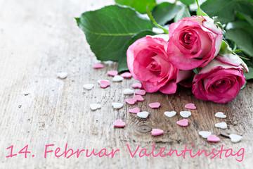 drei Rosen und Herzen zum Valentinstag