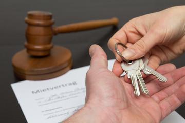 Mietvertrag - Schlüsselübergabe