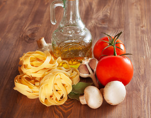 Italian Pasta with tomatoes, olive oil, mushrooms and spices