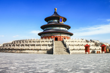 Photo sur cadre textile Chine temple of heaven with blue sky, Beijing, China