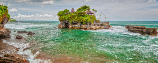 Tanah Lot sea temple bali
