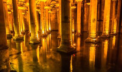Wall Mural - Underground Basilica Cistern (Yerebatan Sarnici) in Istanbul, Tu