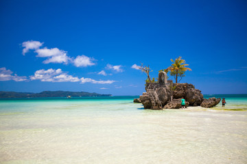 Fotobehang Eiland Perfect tropical beach with turquoise water in Boracay