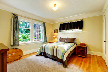 Refreshing furnished bedroom