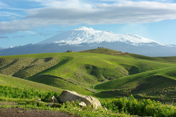 Farmland And Volcano Etna Snow Capped Fototapete
