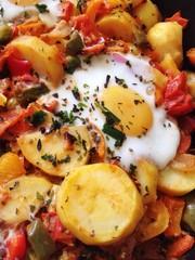 Gemüsepfanne mit Ei
