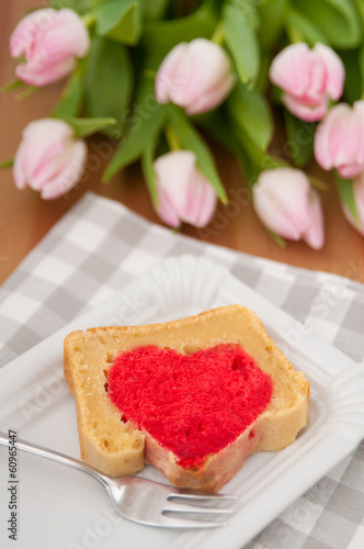 Herzkuchen Zum Valentinstag Stock Photo And Royalty Free Images On
