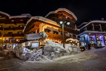 Fotomurales - Illuminated Street of Madonna di Campiglio at Night, Italian Alp