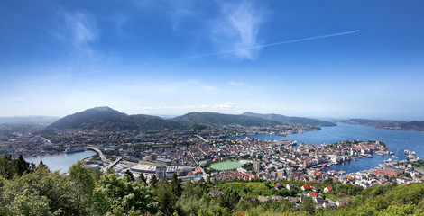 Blick auf Bergen in Norwegen vom Berg Floyen