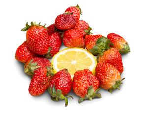 lemon slice surrounded by strawberry