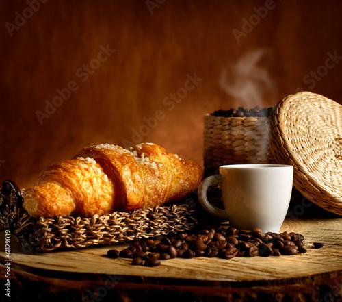Кофе чашки кроасаны без смс