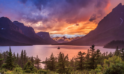 Beautiful sunset at St. Mary Lake in Glacier national park Wall mural