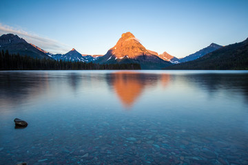 Poster de jardin Parc Naturel Two medicine lake, glacier national park, in the morning