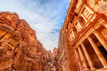 Al Khazneh in the ancient Jordanian city of Petra, Jordan