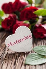 Muttertag Karte mit Herz und Rosen