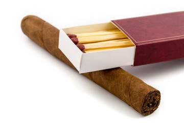Zigarre mit Streichoelzer