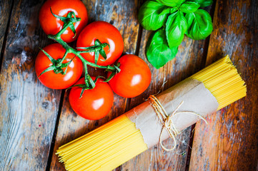 Pasta preparation set- spagetti,tomatoes and basil