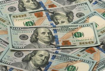 many one hundred dollar bills