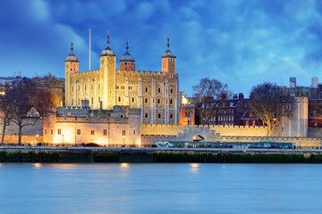 Photo sur Plexiglas Londres Tower of London at night, UK