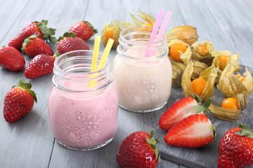 frullato di fragole e frutta