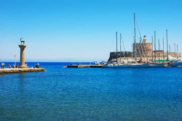 Mandraki-Hafen Stadt Rhodos