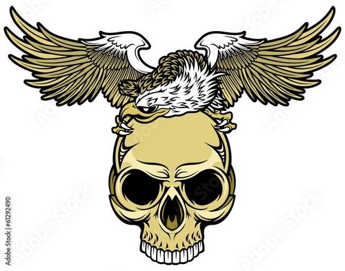 Рисунки черепов и орлов