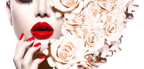 Fotobehang Fashion Lips Fashion Sexy Woman with Flowers. Vogue Style Model